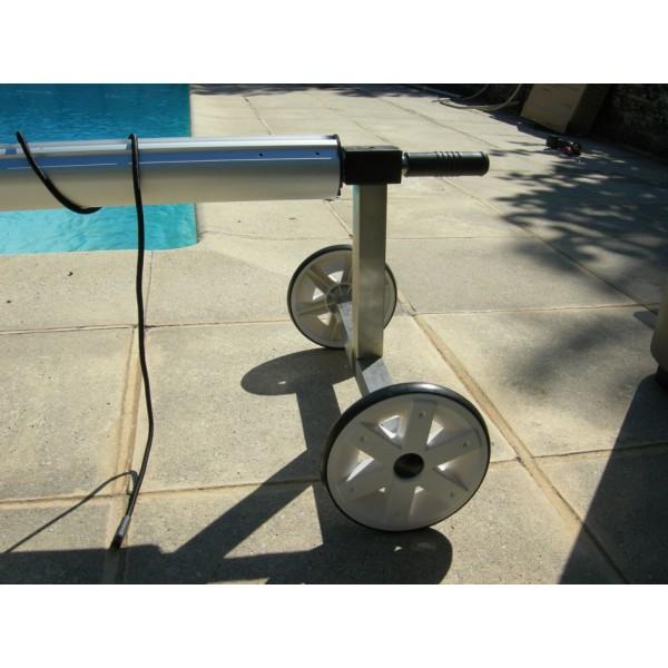 4m maxi pool style enrouleur b che piscine for Fixation bache a bulle sur enrouleur