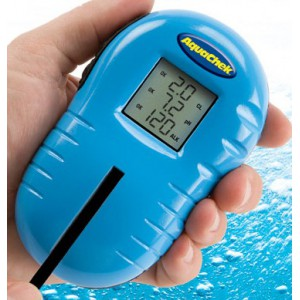 Testeur tru test aquachek testeur pour piscine for Test de piscine