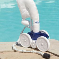 Robot polaris robot piscine pulseur piscine shop for Comparatif robot piscine electrique