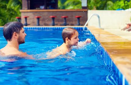 Apprendre nage piscine
