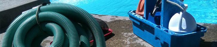 Nettoyage manuel d'une piscine
