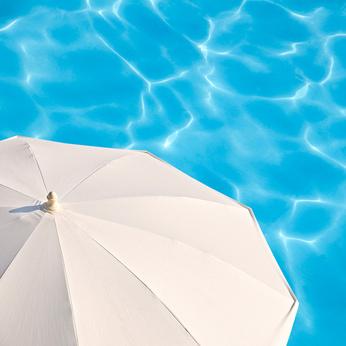 parasol-soleil-piscine
