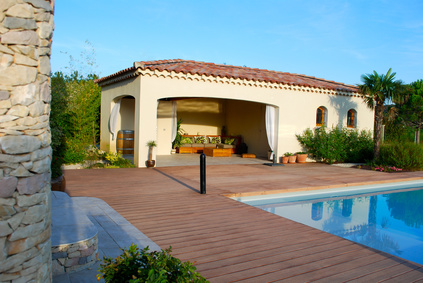 Pool house de piscine comment l am nager piscine shop for Construction pool house piscine