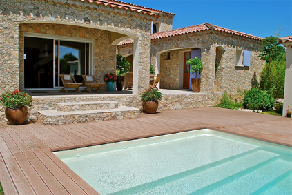 Aménager son jardin autour de sa piscine - Piscine Shop - Piscine Shop