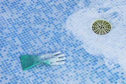Vidanger sa piscine quand comment et pourquoi piscine for Quand hiverner sa piscine