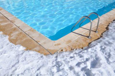 prot ger sa piscine du gel pendant l 39 hiver piscine shop piscine shop. Black Bedroom Furniture Sets. Home Design Ideas