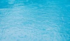 Remplir sa piscine avec l'eau de pluie : comment faire ?