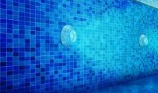 L'éclairage sous-marin d'une piscine : conseils et astuces