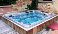 Petit jardin : spa ou piscine hors sol ?