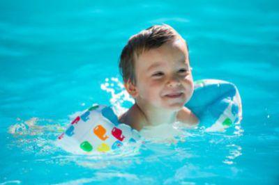 Bébé à la piscine : ce qu'il faut savoir