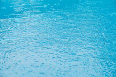 Eau de pluie pour remplir sa piscine piscine shop - Comment recuperer eau trouble piscine ...